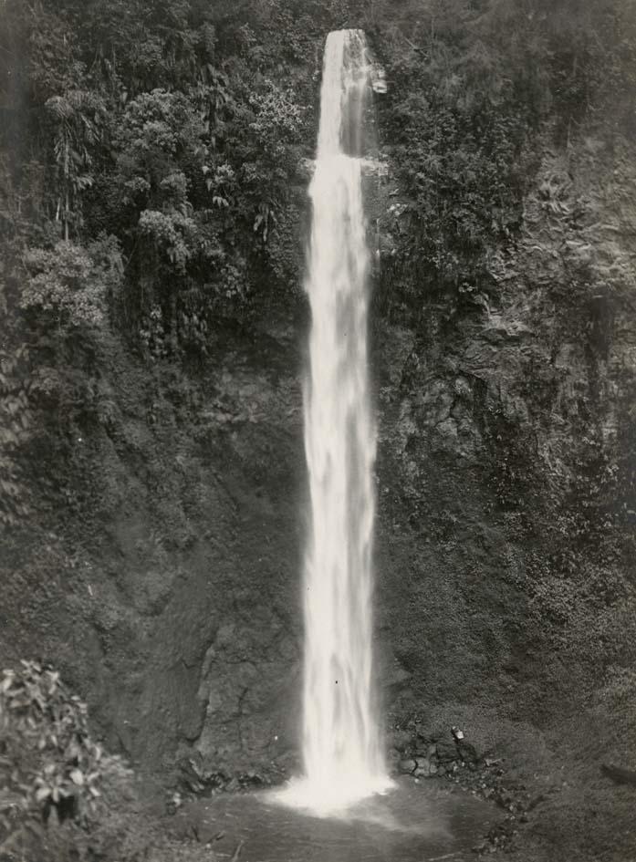 BANDOENG. - Cimahi waterval, Bandoeng, West-Java.