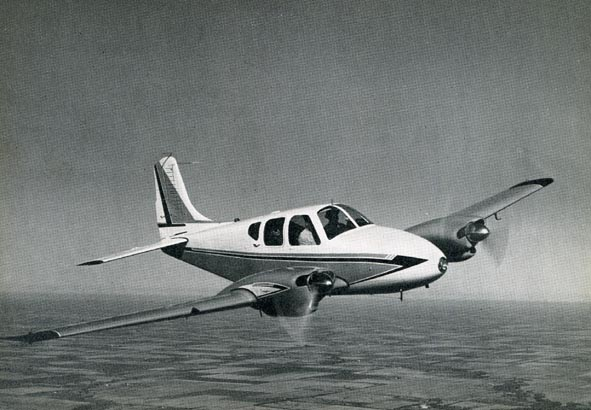 BEECHCRAFT. - Beech B-95 Travlair.