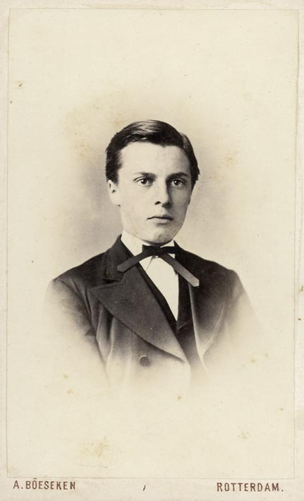 BÖESEKEN, A. - Portrait of a young man (4).