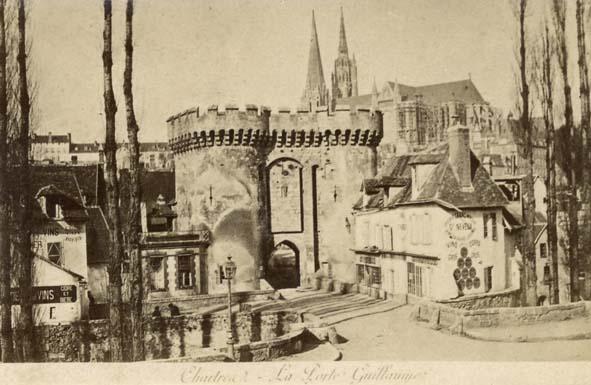 CHARTRES. - La Porte Guillaume.