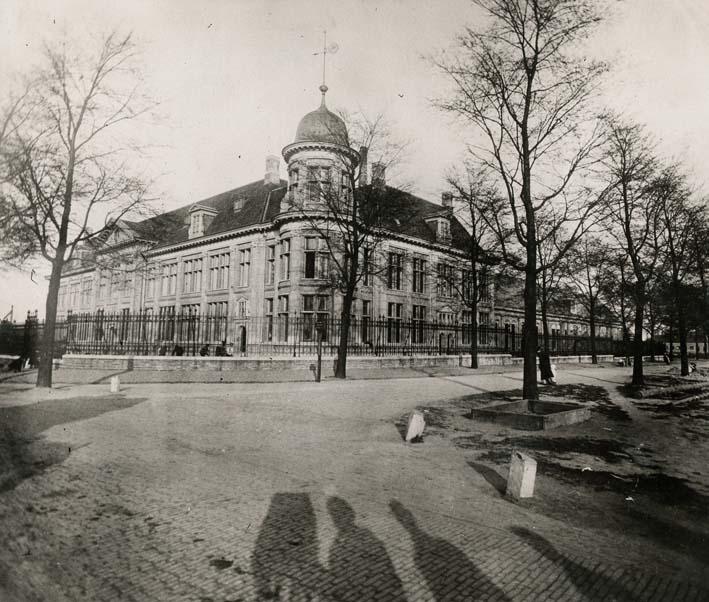 DERJEU, PAUL. - Rijksmuntgebouw te Utrecht (Royal Mint at Utrecht).