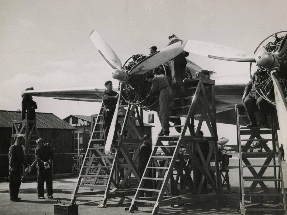 DOUGLAS. - DC4 Repair, KLM