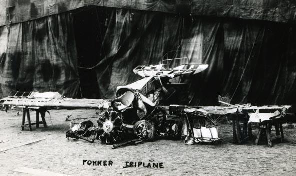FOKKER. - Dr. 1 wreck 2 Depot,1918, Richthofens Aircraft.
