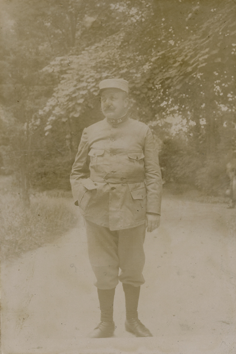 FRANCE. - Army Officer 1915. Number 23 on the collar.